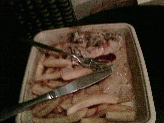 Blanc de poulet - Frite   ( les couvres proviennent de mon hotel)