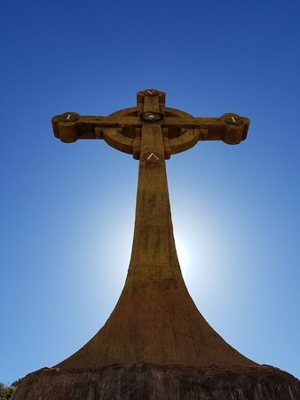 Awesome giant Celtic Cross