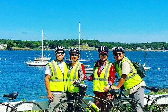 "2-hrs. Islands & Harbor Bike Tour ""Must See"" Sites of Portsmouth..."