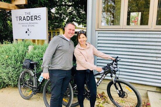Mornington Peninsula Cycle Tour - tasting local produce