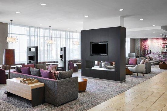 Lobby - Sitting Area