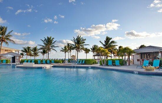 Swimming Pool at the Holiday Inn Grand Cayman