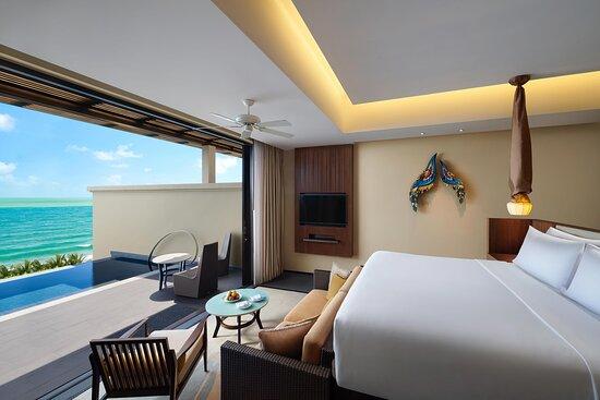 Premium Ocean Pool One bedroom_King Bed