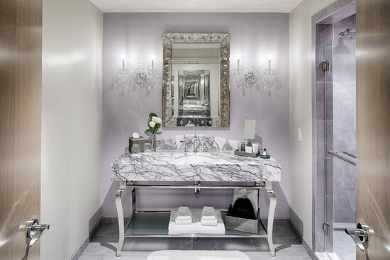 Thee Muses - Guest Bathroom