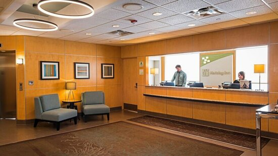 Front desk staff available 24 hours