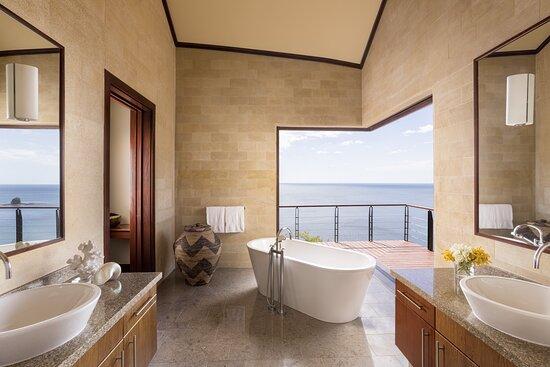 Casa de la Luna Estate Home, Master Bathroom