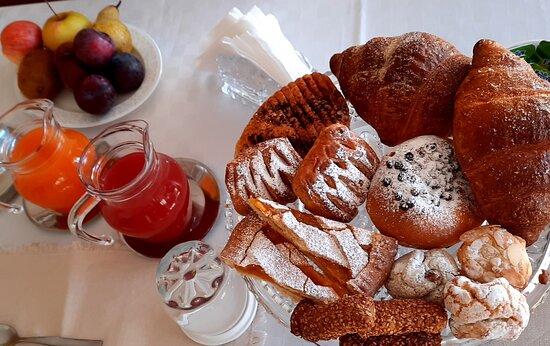 Taormina, Italy: Sweet breakfast