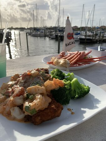 Good food and cool yachts view