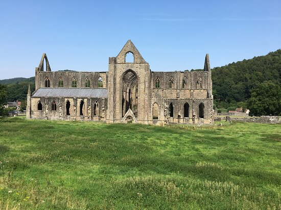 Tintern Abbey (ruins)
