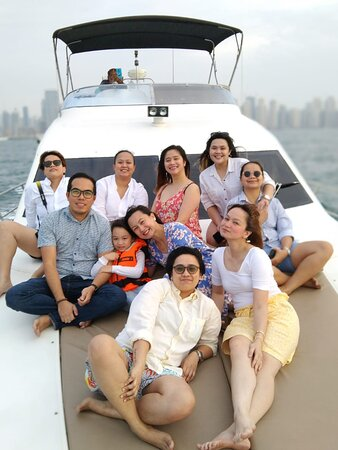#yachtcharter #luxuryyachts #yachting #dubai #yachtrentaldubai #hangout #photooftheday #friends #mydubai #weekendvibes #dubaitourism #dubailife #sightseeing #partyboat #yachttourdubai #yachtpartydubai #yachtinglifestyle #charterboatdubai #nanjeyachtsdubai