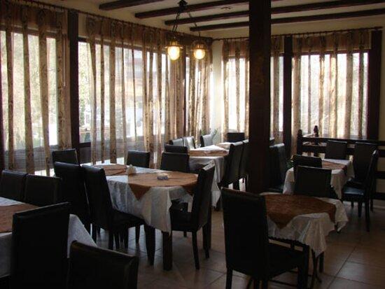 Baile Govora, Rumania: Restaurant Casade