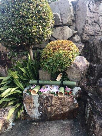 神社の石段横にありました。