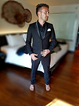 HAVE A LOOK OUR DAPPER TUEXDO SUIT , IT MADE FROM SILK AND CASHMERE MADE AT FOR CUSTOM BESPOKE SUIT FROM SUIT FITTER