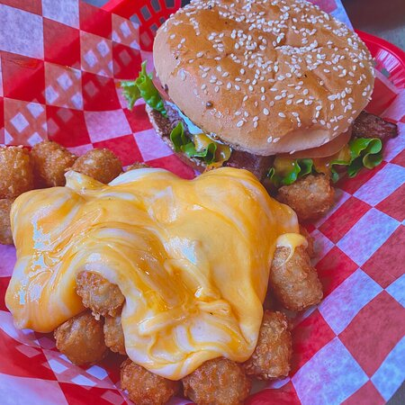 The Bacon Deluxe Burger with Cheeze Tots 🤤
