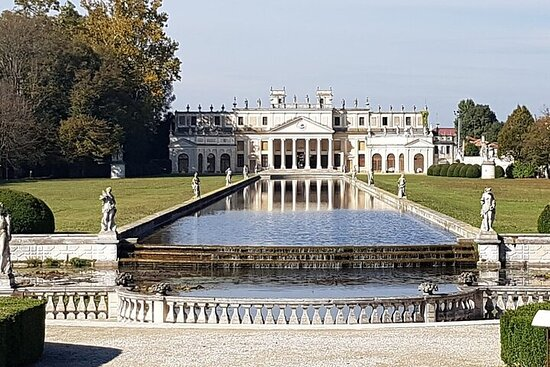 Tour to the Venetian Villas and the Brenta Riviera from Padua