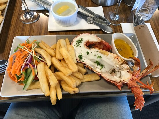 Dover, Úc: Half crayfish dinner for $35 - is a real bargain!!