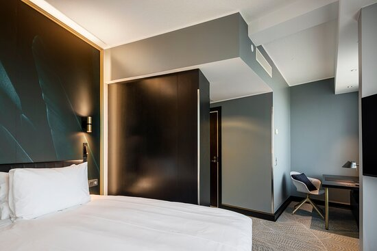 Inspiring and personal single room with 135 cm wide bed