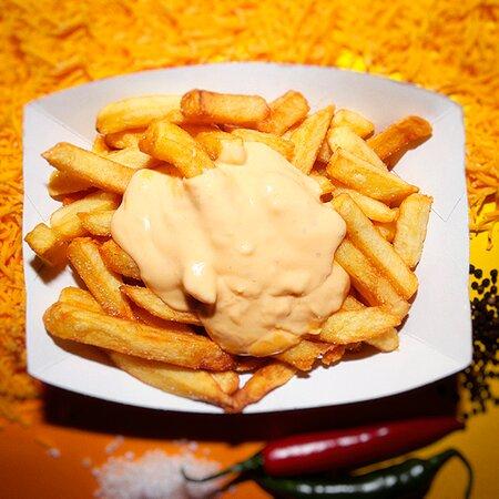 Hausgemachte Cheese Sauce.