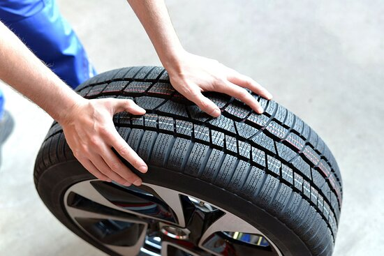 Time for tire rotation or tire swap? Visit In N Out Tire Rotation Brampton for fast and reliable Tire Service. No Appointment Required. We have the latest Tire Repair equipment to ensure superior quality and fast service. We have trained technicians for vehicle maintenances https://inoutcarwash.com/tire-rotation-repair/