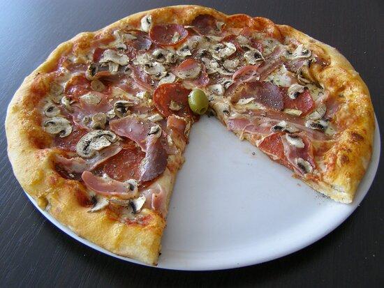 """LIKAs"" pizza"