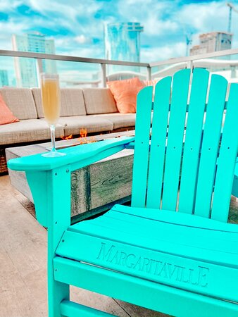 Check-in and chill out with a drink up at Fins Bar!