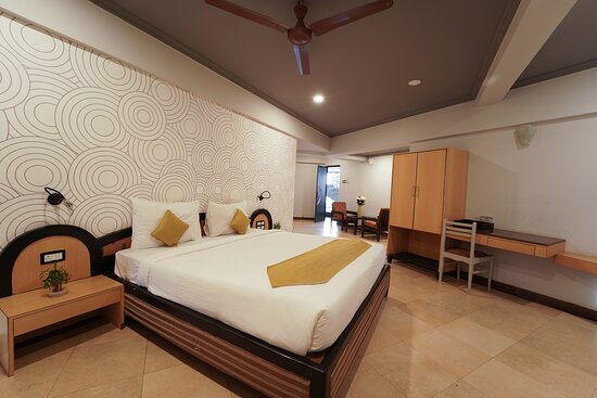 The Treat Hotel, Hotels in Chandor