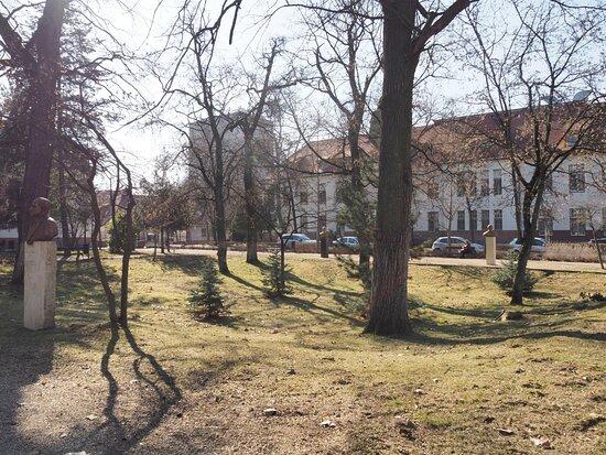 A Debreceni Klinikai Szoborpark