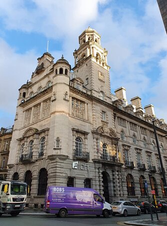 Royal Insurance Building in Liverpool Commercial District