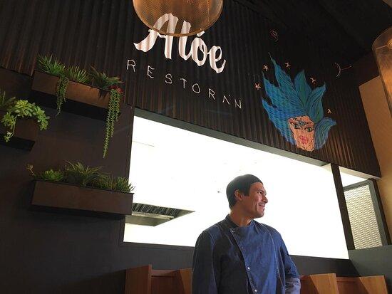 Nuestro Chef, Daniel Román, en Alóe Restorán.