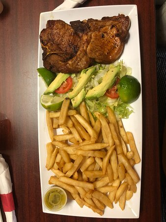 Pork chops with fries