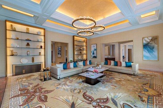 Grand Atlantis Living Room