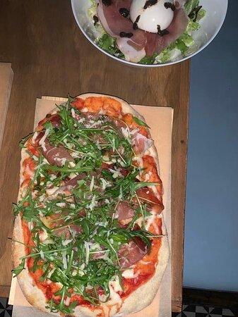 Best Italian Pizza ever!