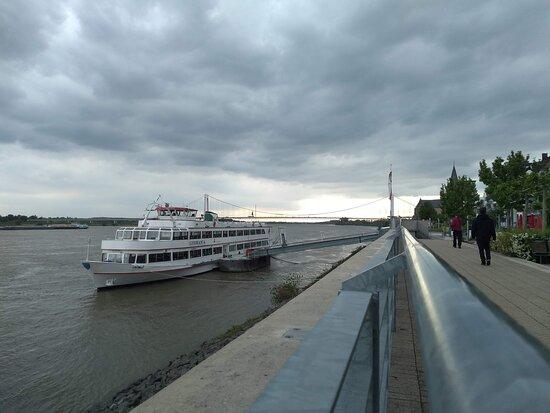 Rheinbruecke