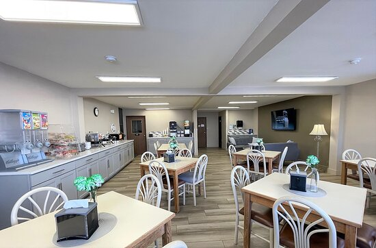 Lobby - Picture of Super 8 by Wyndham Butte Mt - Tripadvisor
