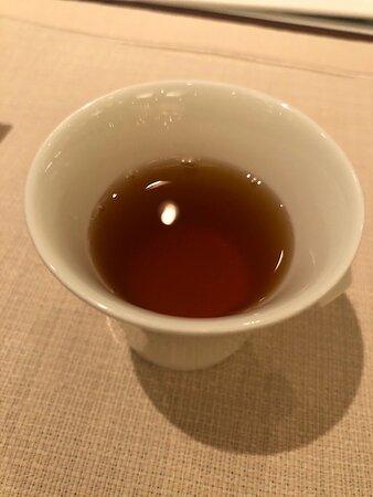 伝統あるダブルビーフコンソメスープ。濃厚です。