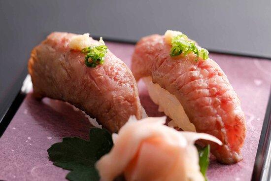 飛騨牛握り Hida beef sushi