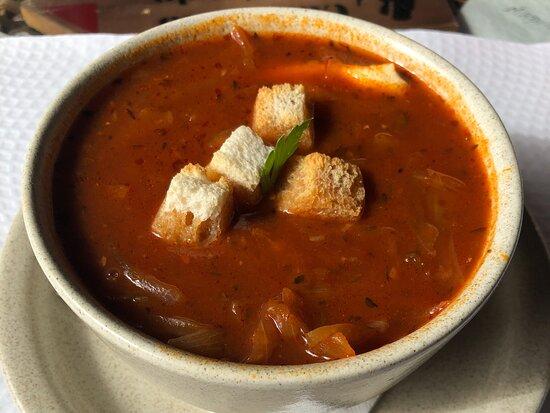 Zupa pomidorowa - obowiązek każdego turysty na Maderze.
