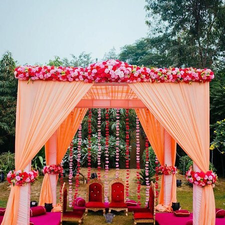 Harmony wedding planner and catering top wedding planner and catering company from Mohali 9915580857 goes to great lengths to give you a ceremony that will really make your heart beat. The company prides itself on spreading happiness and letting people create memories to cherish time and again. An experienced team, who know what your heart really desires, takes care of the entire task and gets it done accordingly. Each and every detail receives undivided attention