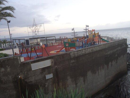 Parque Infantil da Calheta