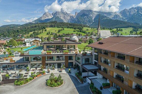 die HOCHKÖNIGIN: Das erste 4-Sterne-Superior Hotel in Maria Alm