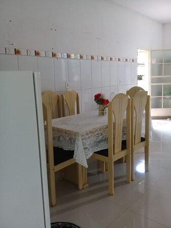 Sao Joao Evangelista, MG: cozinha comparlhada