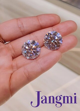 50ct TCW !! We carry sizes from 0.30ct - 50ct, different color and clarity