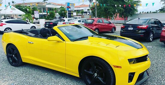 Rent a Car - Punta Cana: Chevrolet Camaro amarillo 2016