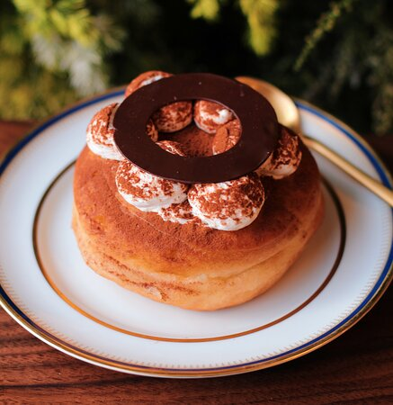Tiramisu doughnut