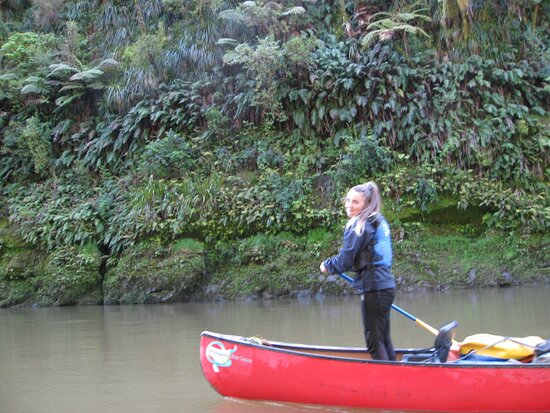 Raetihi, New Zealand: Paddling the day away Whanganui River Canoes