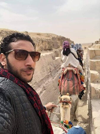 Riding camels in pyramids of Giza area 🇪🇬❤️✋🙏
