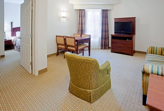 Living Room/Dining Area, Sofa & Table for 4 in Two Bedroom Suite