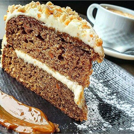 Marbella, Spain: Deliciosa tarta de Zanahoria😋👌🏼 Puedes conseguirla en la carta como  PASSION CAKE