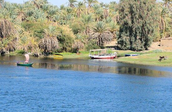 5-Day Sail from Luxor to Aswan: Nil Kreuzfahrt - Paradies