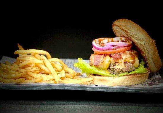 Angus Burger & Fries